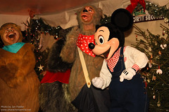 DLP Dec 2010 - Christmas Carolling with the Disney Characters (PeterPanFan) Tags: christmas travel winter vacation france canon hotel holidays europe december character disney mickey dec 7d mickeymouse characters hotels fr wendell 2010 disneylandparis dlp disneylandresortparis disneycharacters disneycharacter dlrp marnelavalle mickeyfriends disneypictures holidaytime disneyparks liverlips disneypics canoneos7d canon7d themeparkcharacters davycrockettranch showsandentertainment seasonsholidaysandevents christmascarollingwiththedisneycharacters