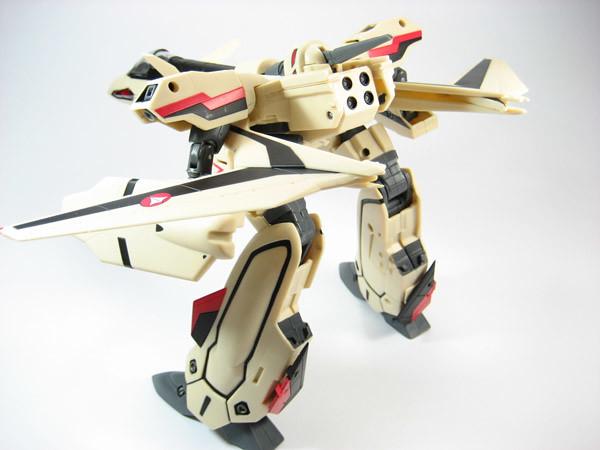 Yamato 1/60 YF-19 Gerwalk Mode