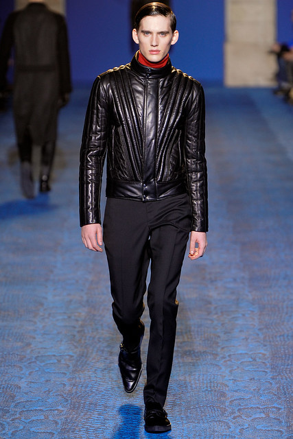 FW11_Milan_Versace014_Sebastian Brice(VOGUEcom)