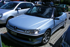 DSCF1430  PEUGEOT 306 CABRIO (hedyelyakim) Tags: germany cabriolet titisee peugeot306