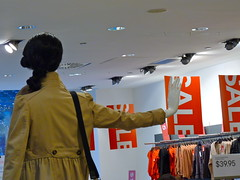 H&M, Michigan Avenue, Chicago, IL ~ Shop 'Til You Drop (Angie Naron) Tags: chicago mannequin sale hm shoptilyoudrop salesigns photobyangienaron