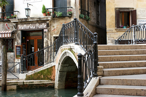A corner bridge