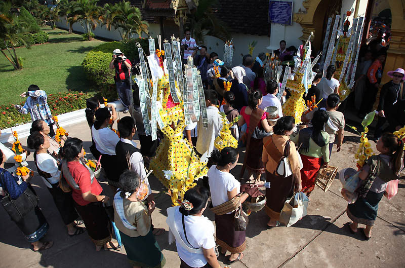 04 That Luang Festival IMG_0154-w