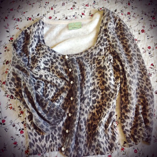 Review leopard cardigan