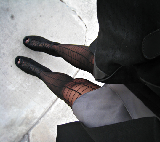 grid stockings+suede ankle boots+sam edelman