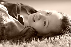 toun in (benji-kenji) Tags: bw girl canon glamour longhair naturallight dreamy canon5d beautifuleyes girlportrait beautifulbokeh ongrass