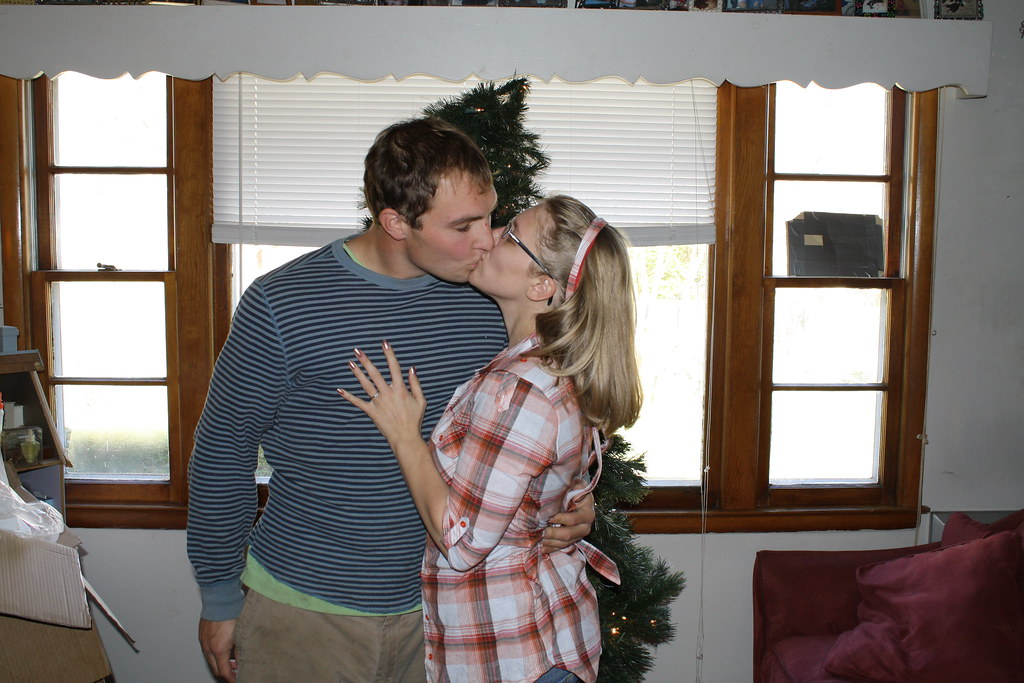 Katety and Robby putting up the tree