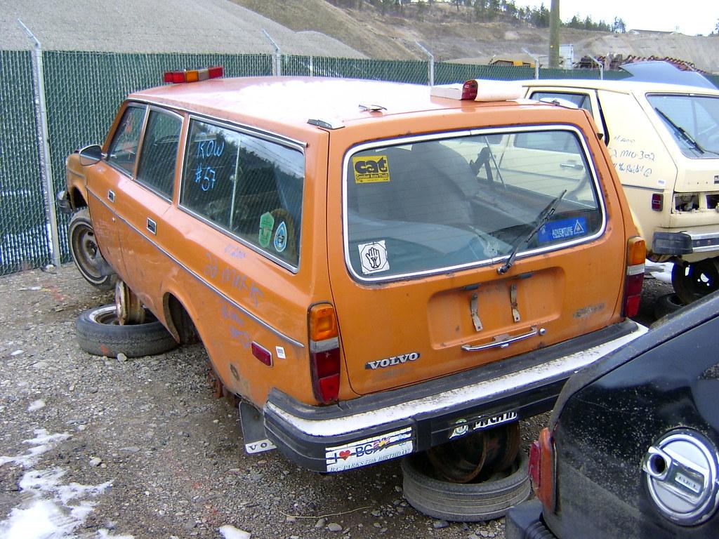 Volvo 245 DL 1976 pick and pull Kelowna BC dec 14,2010 c