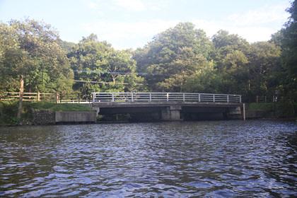 屈斜路湖の眺湖橋