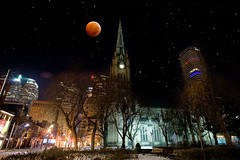 Lunar Eclipse - December 2010 (Jim U) Tags: moon toronto landscape eclipse churchstreet lunar minolta20mm28 sony900 minolta200mm28hsapog