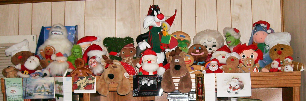 Christmas Stuffed Toys and Motionettes