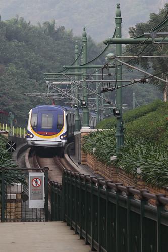 Train arrives into Disneyland station