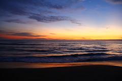 (Cris Iandolo) Tags: tramonto mare estate alba dusk blu natura cielo fantasia sole astratto acqua rosso azzurro scena viaggi tempo viaggio spiaggia notte luce nube pacifico vacanza paesaggio bellezza arancione sera oceano oro sabbia esterno mattina arancia orizzonte bello sfondo litorale tropicale riflessione dorato stagione coloregiallo lucesolare scenico pienodisole vistacanon60dgaetamaresabbiacrisiandolo