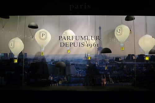 Vitrine Diptyque - Galeries Lafayette - Paris, décembre 2010