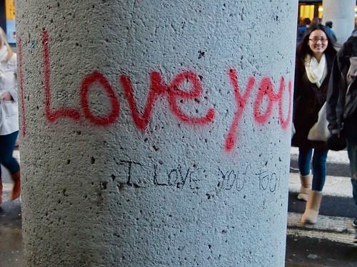 love returned graffiti
