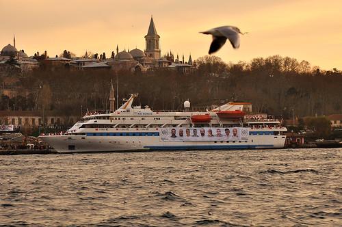 Mavi Marmara'nın heybetli duruşu