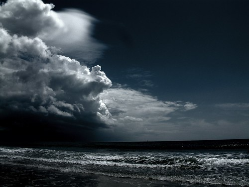 [Free Image] Nature/Landscape, Sea, Beach, Cloud, Dark Clouds, Storm, 201101120100