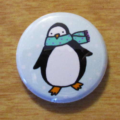 Penguin With Scarf - Button 01.02.11