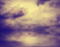 [フリー画像] 自然・風景, 雲, 暗雲, 湖・池, 201101141900