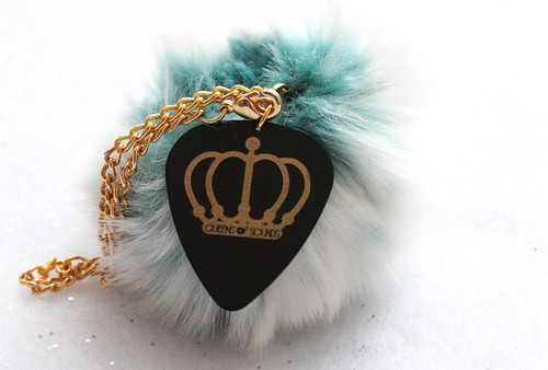 QOS logo plectrum  fur ball key chain