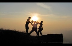 Catch The Sun..!! [EXPLORED] (Santhosh Mankulam) Tags: morning sun dawn silhoutte kodachadri kudajadri spiritualtrekking