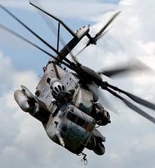 [フリー画像] 乗り物, 航空機, ヘリコプター, CH-53E スーパースタリオン, アメリカ海兵隊, 201101202300