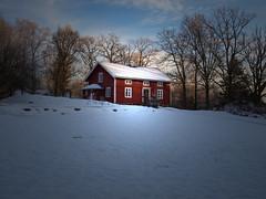 A Red House (Peter Nyhln) Tags: winter light snow landscape sweden country olympus landskap kinna mariebergsparken e520 zuiko1442mm olympuse520 kinnahult peternyhln photoshopelements9