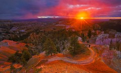Sunrise at Bryce Canyon National Park, Utah | Photography by Manish Mamtani (manbeachrm) Tags: clouds sunsets  blue naturelovers sunrise orange sunsetstream sunsetporn sundown skylovers pordosol cloud skylinen natureperfection naturelover landscapelovers landscapes natur landscapecaptures horizon puestadesol silhouette instasky piclogy trbsunsetsfx