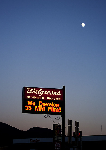 Moon over Walgreens [Payson 15/52]