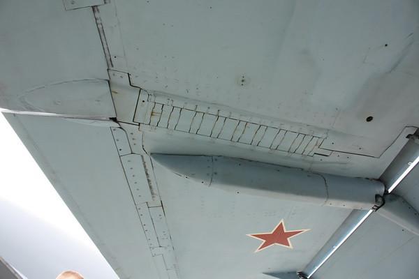 EAA10_FA-18C_103
