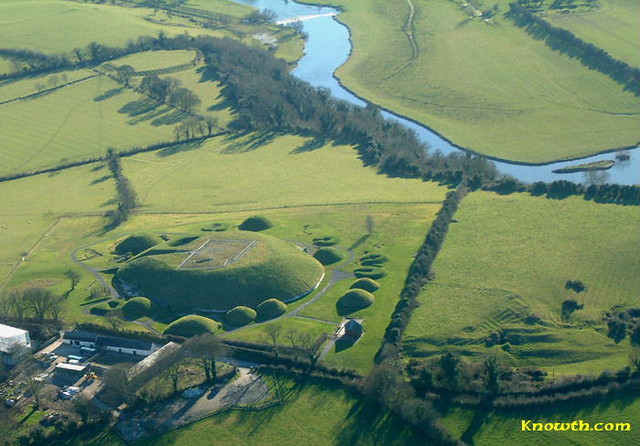 knowth-boyne-700