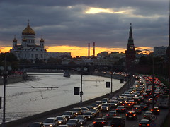 Car stream () Tags: road sunset sky cars night clouds river dark evening christ traffic cathedral russia moscow jam saviour