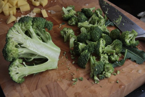 broccoli cutting