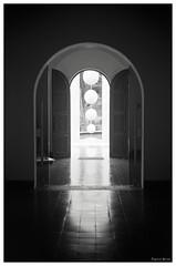 Perpectiva sobre Jimnez Deredia (Eugenio Garca.) Tags: door sculpture museum puerta costarica perspective escultura perspectiva museo jimnezderedia