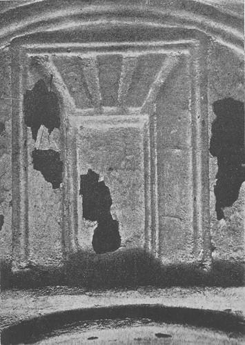 Decoración en la mezquita de Tornerías al ser redescubierta en 1905
