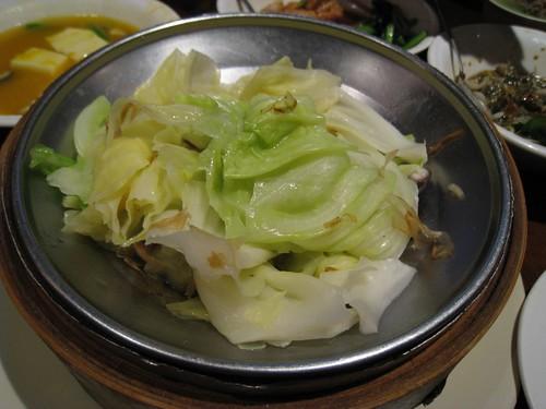 柴魚蒸高麗菜,也是必點的菜之一