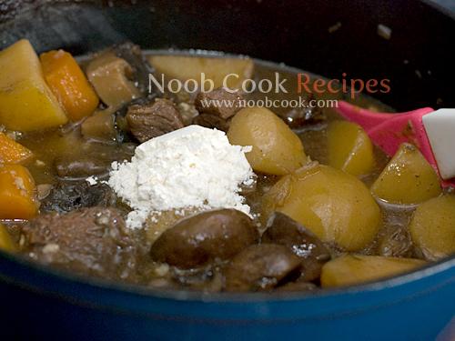 طريقة عمل طبق اللحم بالخضار بالصور 5265549019_04c4e27570_o.jpg