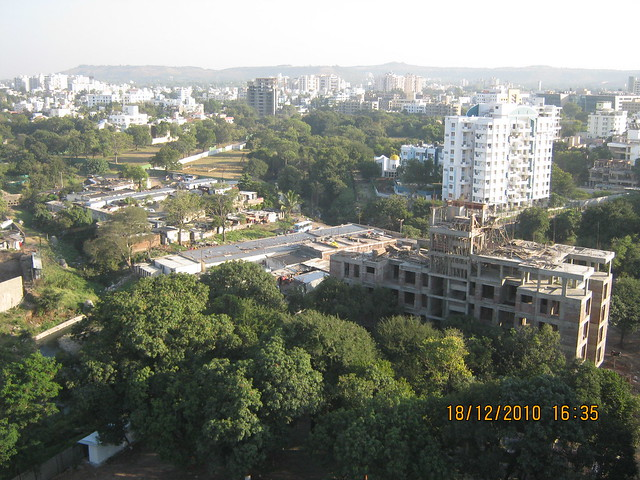 Visit to Aurum Developers and Sanskruti Group's Allure 2.5 BHK - 3 BHK Flats behind Shree Bal Developers' Kapil Malhar and near Kapil Tranquil Greens on Baner Road Pune 411 045 - View from Shree Bal Developers' Kapil Tranquil Greens - Green Baner