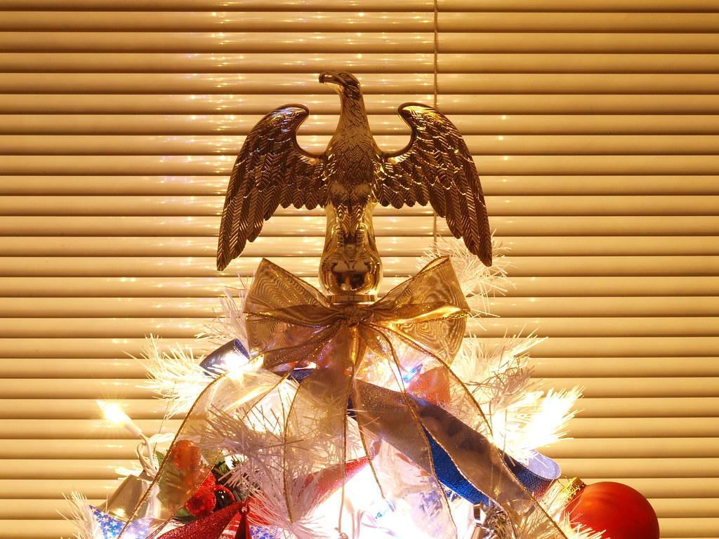 gold eagle topper
