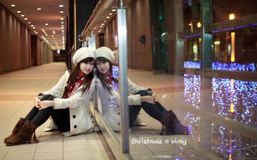 Christmas \ Vicky