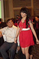 TANOCAL Christmas Party (besighyawn) Tags: restaurant berkeley christmasparty 2010 hslordships ajscamera tiffanyt tanocal