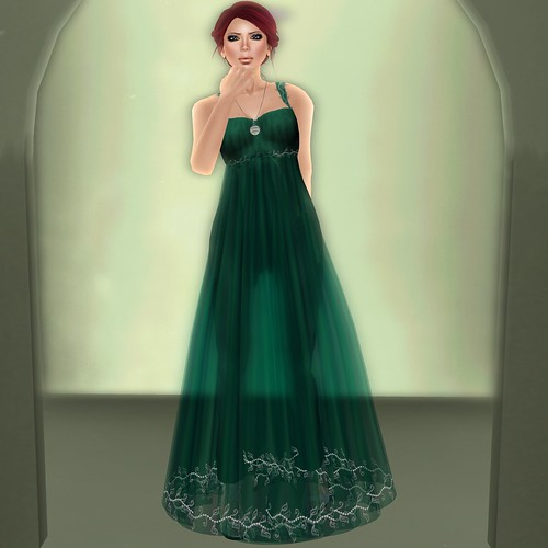 :+:SS:+: Green Leaf Long Gown