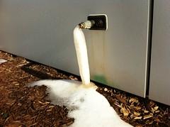 prevent frozen plumbing pipes