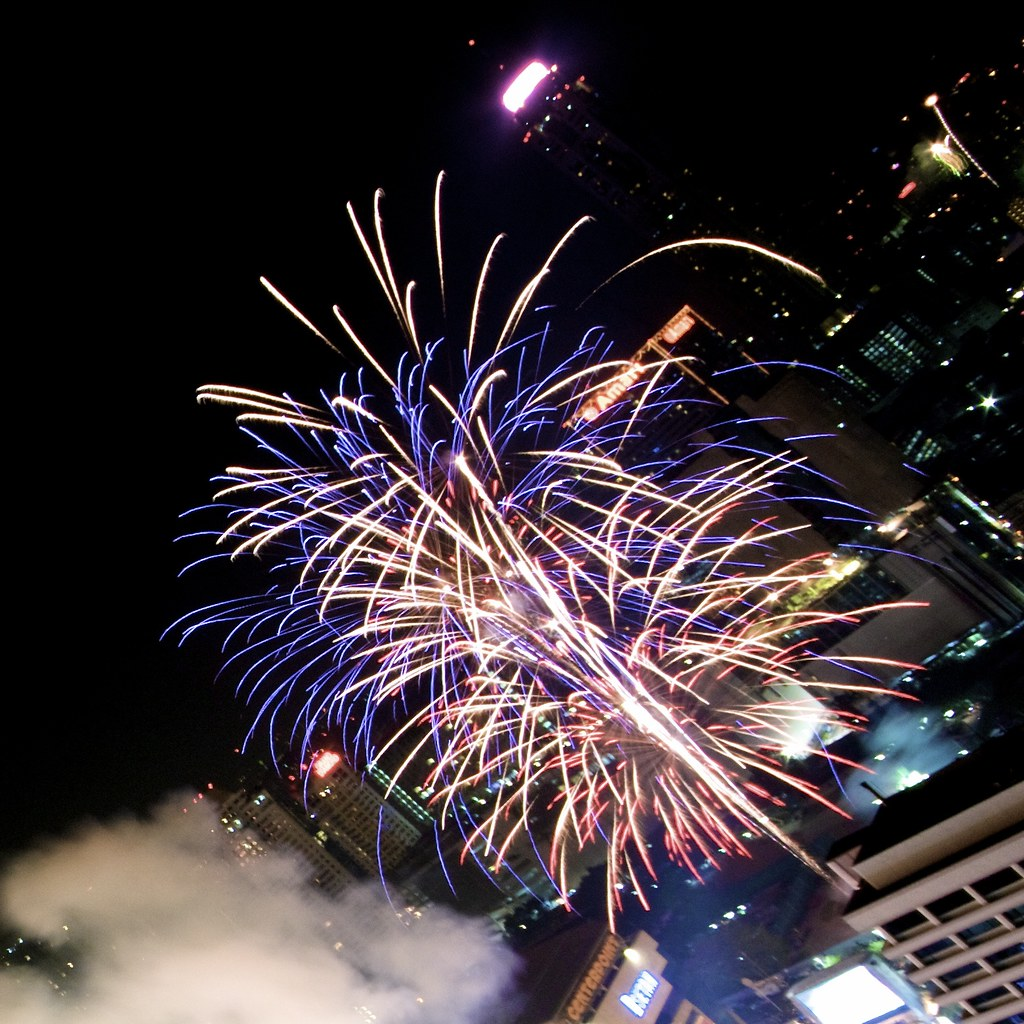 IMG_6884 Dec 31, 10: Countdown to 2011 in Bangkok - Firework - CentralWorld - Ratchaprasong
