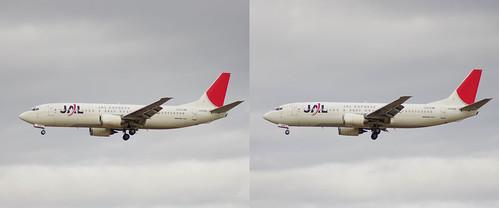 JEX B737-400 (JA8996), stereo parallel view