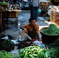 GREEN GROCER (davies.thom) Tags: india public vegetables candid streetphotography keep greengrocer keep2 keep3 keep5 keep4isb daviesthom thomdavies