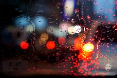 Chuva no trânsito (Thiago Souto) Tags: brazil cars water rain água vidro brasil 50mm lights drops traffic bokeh sãopaulo sony chuva gotas santos carros luzes alpha jam trânsito gonzaga engarrafamento α baixadasantista a230 flickraward sal50f18 α230