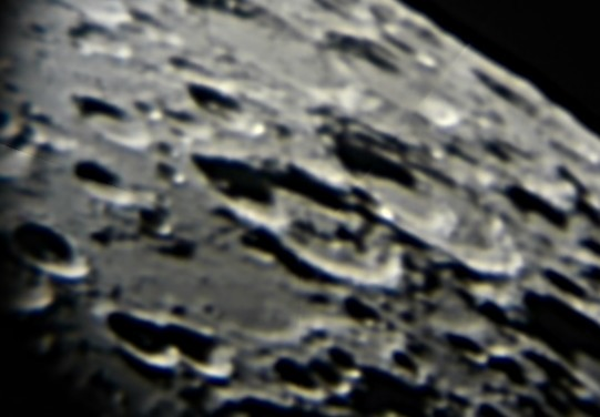 moon 09Jan2011 craters