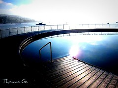 A Sunday Summerdream (Missmoneypenny7) Tags: winter summer sun lake water sport swimming fun freedom pier wasser ship peace zurich baden clowds wellness badi tiefenbrunnen loisir gaybeach sunne missmoneypenny baditiefenbrunnen
