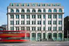 The Need for Speed / Blackfriars Road / London (zzapback) Tags: road uk red building bus london architecture speed photography rotterdam fotografie united kingdom filter le enjoy blackfriars londen nd110 acrchitectuur zzapback robdevoogd